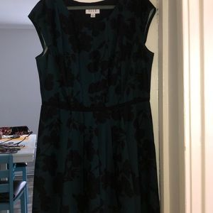Green/black floral print dress